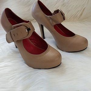 Madeline Girl Nude Heels sz 8M